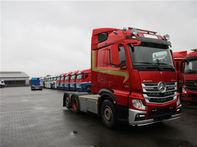 Mercedes-Benz Actros 2551 LS MP 4 2014 model
